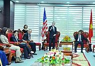 Bộ Trưởng Hải Quân Hoa Kỳ Đến Thăm Thành Phố Đà Nẵng