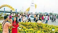 Đầu xuân các điểm vui chơi tại Đà Nẵng thu hút đông du khách.