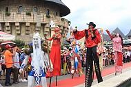 Lễ hội Carnival Bà Nà Hills sẽ trình diễn tại phố đi bộ Hồ Gươm