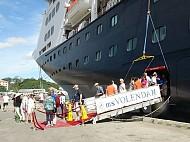 Tàu Biển Volendam Đưa 1.260 Du Khách Quốc Tế Đến Đà Nẵng