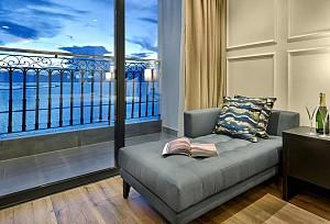Khách Sạn Dát Vàng 5 sao Golden Bay Đà Nẵng
