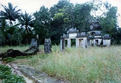 Nghĩa Trang Liệt Sĩ: Nghĩa Trũng Hòa Vang
