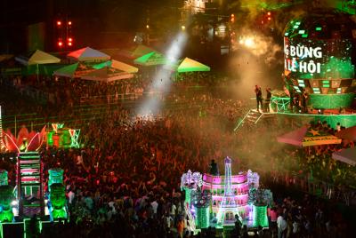 Lung linh sắc màu đêm hội Carnaval Đà Nẵng