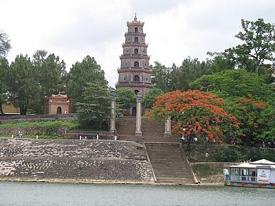 Ngôi chùa hơn 400 năm tuổi cổ nhất xứ Huế