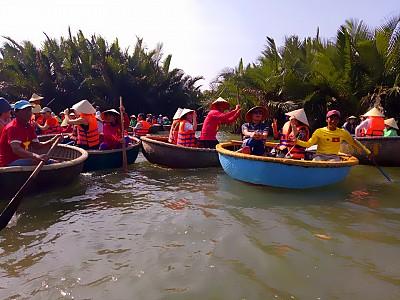 Phá giải mê cung Rừng Dừa Bảy Mẫu