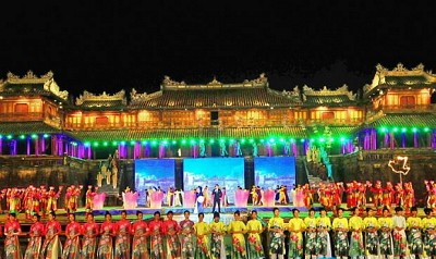 Tham dự lễ hội Festival Huế