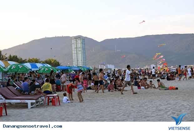 Dịp nghỉ lễ 30- 4 và 1- 5 nhiều du khách lựa chọn du lịch Đà Nẵng