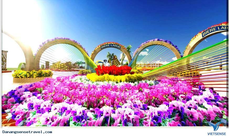 Du lịch Đà Nẵng- Rực rỡ đường hoa xuân Bạch Đằng