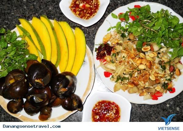 Mặn mòi hương vị ốc bươu chấm mắm gừng Đà Nẵng