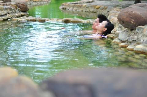 Tour Du Lịch Huế Tắm Suối Khoáng Nóng Thanh Tân